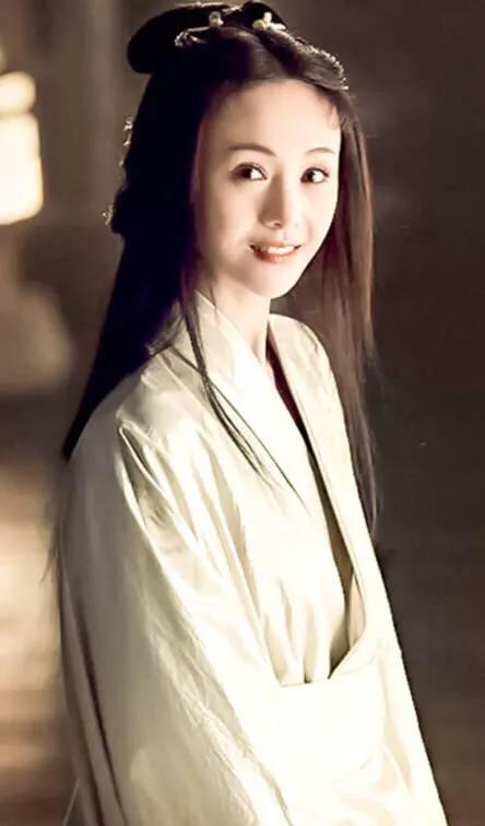 杨超越古装造型,迪丽热巴、杨紫等90后小花谁是古装小仙女