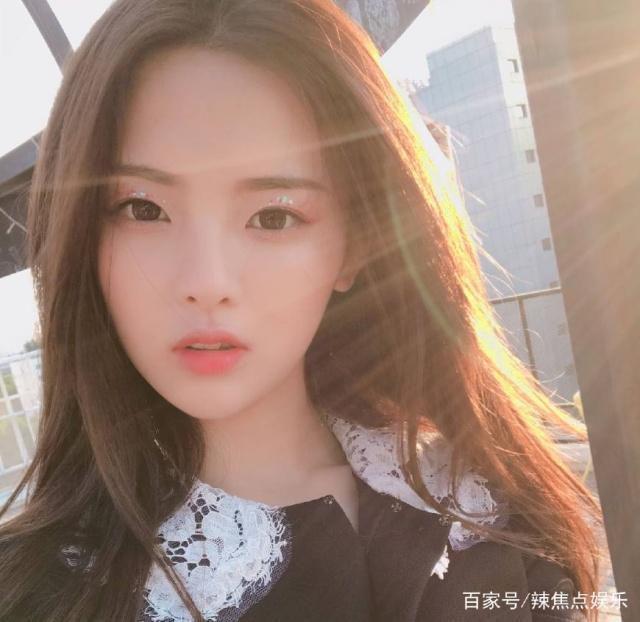 都是爸爸:杨超越的爸爸比毛晓彤的爸爸以及她的爸爸,可慈爱多了