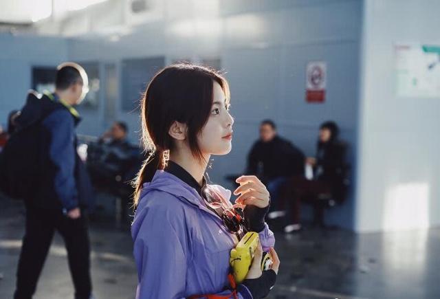 杨超越登上人物杂志,看到与她一起入选的嘉宾时,这次没得黑了!