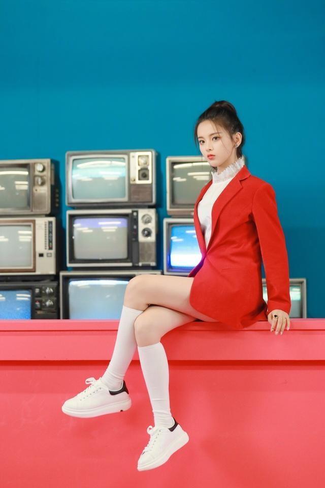 女歌手搜索榜杨超越排名第一,超过张韶涵,你知道为什么吗?