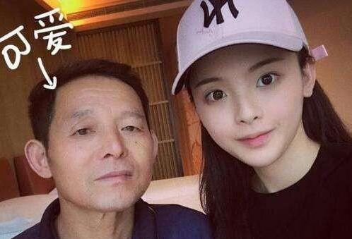 杨超越爸爸被采访说了一番话让人路转粉,网友:再不diss杨超越了