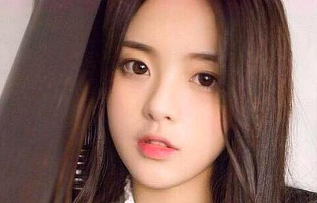 """018最幸运的女孩,最有话题的女生,杨超越为什么能火遍中国?"""""""