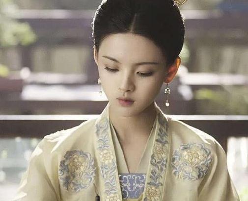 杨幂《斛珠夫人》即将来袭,杨超越和她的姐妹都来了,全是仙女!