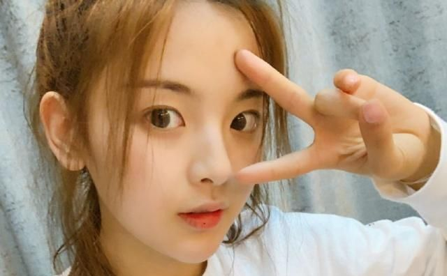 火箭少女演唱会杨超越进步神速,粉丝超给力