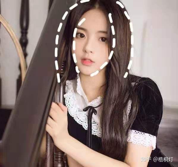 从脸型头发上看为什么现在越来越多的人不讨厌杨超越了?
