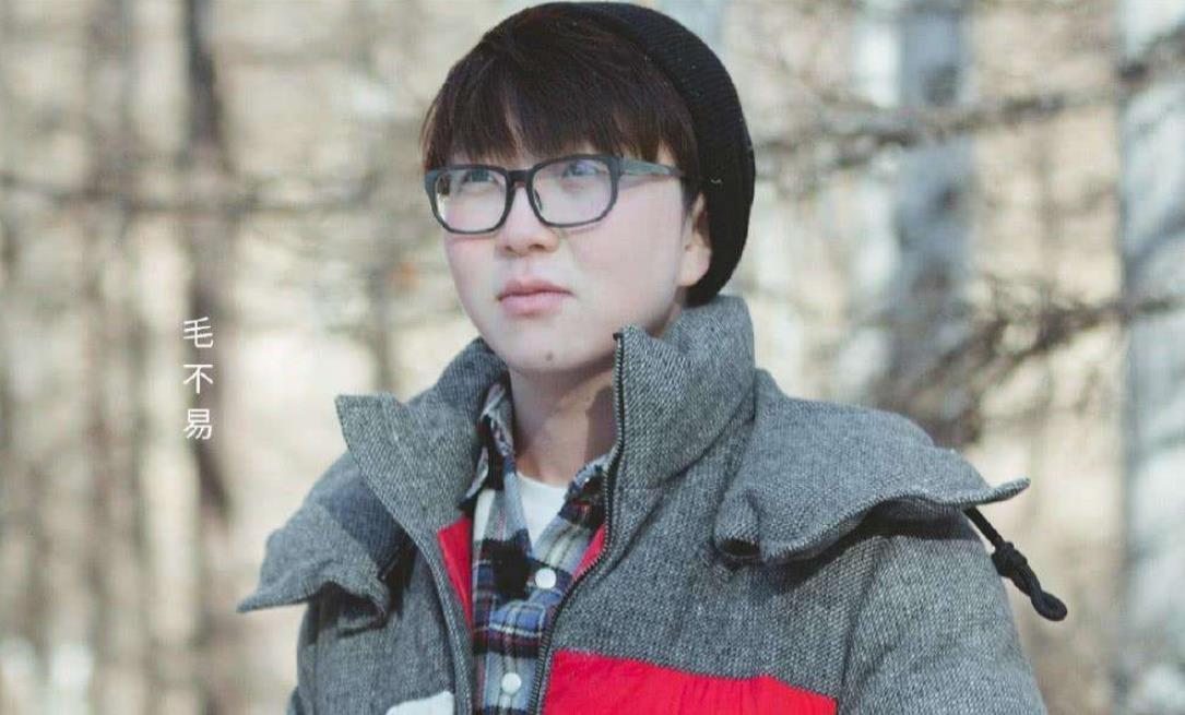 杨超越高情商回应吸烟事件,向俞星有担当,这种姐妹情我们爱了插图(30)