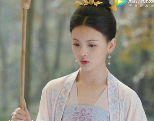 《长安诺》预告花中的杨超越古装造型插图