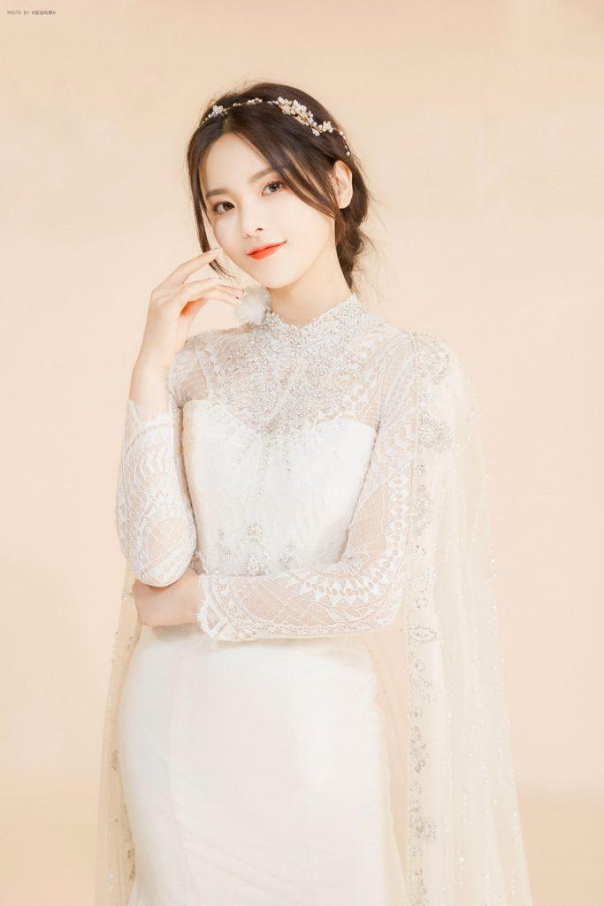 杨超越婚纱照图片【4P】