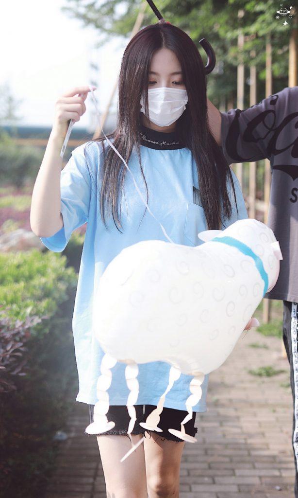 蓝衣杨超越和小羊【4P】