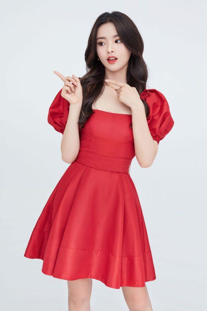 一组红裙子的杨超越【20200722】【3P】